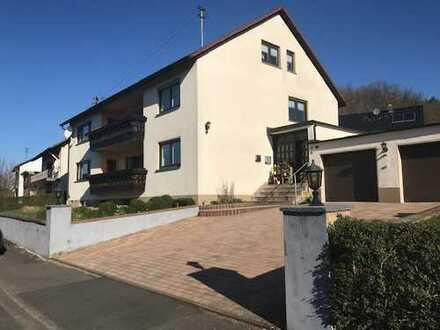 Gepflegte Wohnung mit vier Zimmern (+Vorratsraum) sowie großem Balkon und Einbauküche in Beienbach