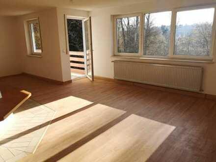 Sanierte 3-Zimmer-Wohnung mit guter Raumaufteilung in Fahrenzhausen/Kammerberg