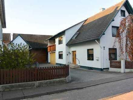 Wohnhaus mit Ökonomiegebäude in Lichtenau-Ulm!
