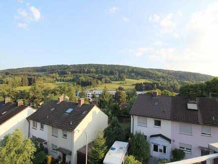 Wunderschöne und idyllisch gelegene 2-Zimmer Wohnung mit traumhaftem Ausblick!!