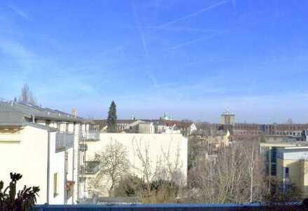 """Ruhige kleine """"Penthouse-Wohnung"""" in Bestlage - mit unverbaubarer Aussicht über Potsdam's Dächer..."""