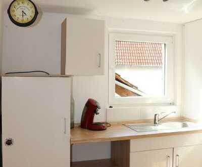 Renoviert, Tageslichtbad, Laminat, Einbauküche, ...