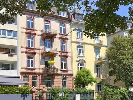 Stilaltbau Nordend mit 4 Zimmern und 2 Balkonen