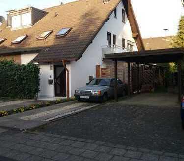 Halbes Haus mit zwei 2-Zimmer-Einheiten -in Sankt Augustin-Altniederpleis