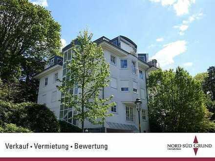 Exklusive und hochwertig sanierte Wohnung in herrlicher Südwest-Hanglage von Baden-Baden.