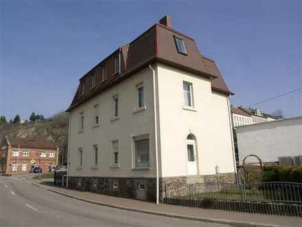 Weitgehend erneuertes Mehrfamilienhaus