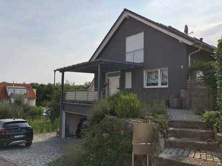 Schönes, geräumiges Haus mit fünf Zimmern in Ludwigsburg (Kreis), Remseck am Neckar