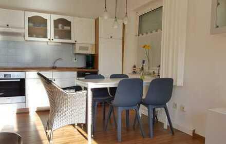 Modernisierte 3-Zimmer-Erdgeschosswohnung mit großer Terrasse und EBK in Bensersiel