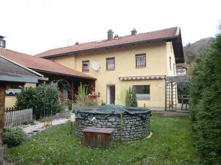 Wunderschöne Haushälfte in sonniger Wohnlage von Siegsdorf zu verkaufen!