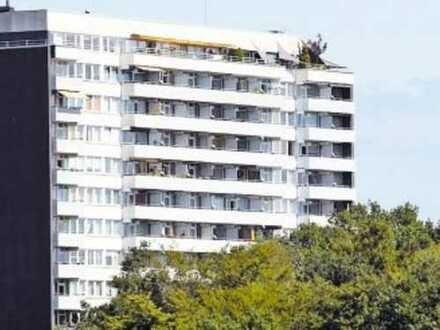 Panorama Blick auf den Pfälzer Wald! Großzügige 4 Zimmer-Wohnung mit Balkon
