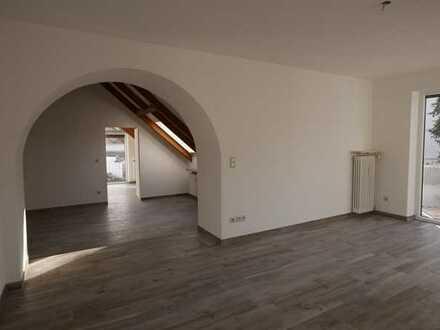 Individuelle schöne 2,5 Zimmer-Wohnung am Isar-Hochufer in Grünwald