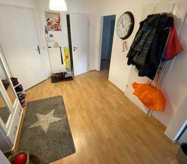 Neuwertige 3-Zimmer-Wohnung mit Balkon und EBK in Oberursel