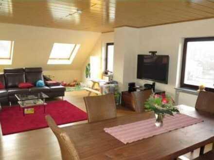Gepflegte 4-Zimmer-Wohnung mit Balkon und Einbauküche in Liederbach