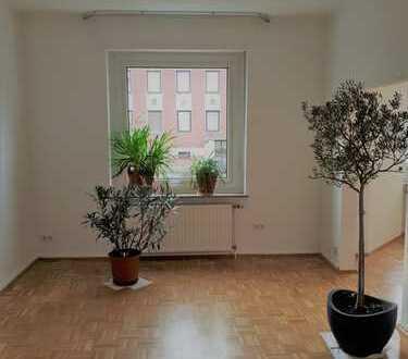 Erstbezug nach Sanierung: 3,5-Zimmer-Wohnung mit großem Balkon