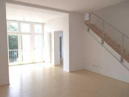 Erstbezug nach Renovierung einer repräsentativen Maisonettewohnung im denkmalgesch. Altbau in Beuel