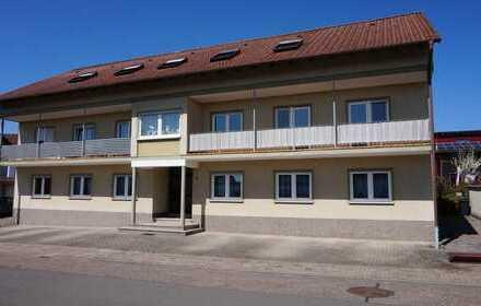 Schöne 3 ZKB Wohnung in Hermersberg, Stellplatz direkt vorm Haus, neu renoviert
