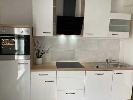 Erstbezug nach Sanierung: ansprechende 2-Zimmer-Wohnung mit Einbauküche in Uttenreuth