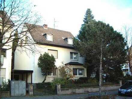 GARTENNUTZUNG! Porz-Zündorf, 2,5-Zimmer-Wohnung 70m², Im 3-Parteienhaus