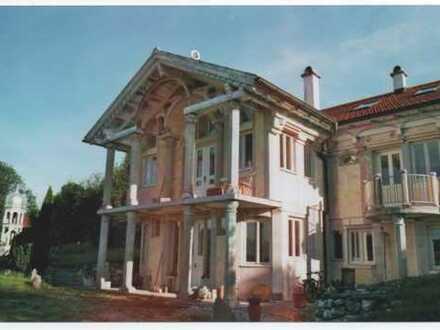 Wohnen im Künstlerhaus 2 ZKB-Wohnung mit SüdBalkon, Terrassen EG, OG , Garten in Bernbeuren/Schongau