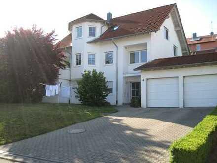 Gepflegte 3,5-Zimmer-EG-Wohnung mit Terrassee und EBK in Biberach (Kreis)