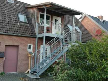 Gepflegte 2-Zimmer-DG-Wohnung mit Einbauküche in Celle