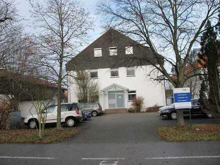Sehr gepflegte und gut gelegene Büroräume in Burghausen zu vermieten - Erdgeschoss u. Keller