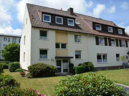 Schöne und helle drei Zimmer Wohnung in Bremerhaven, Geestemünde