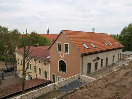 Dachgeschosswohnung mit Terrasse direkt am Weinberg