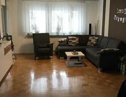 Stilvolle, gepflegte 3-Zimmer-Wohnung mit Balkon und Einbauküche in Gärtringen
