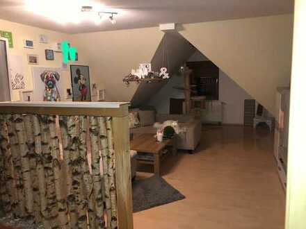 Günstige 2,5-Zimmer-Dachgeschosswohnung in Antrifttal