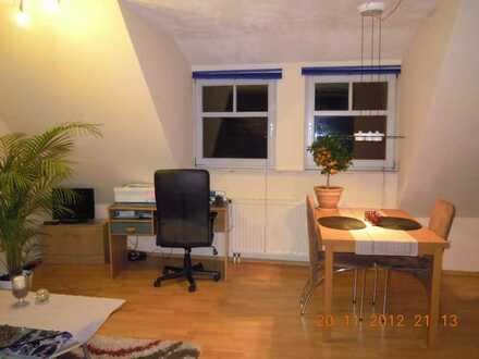 Gepflegte möblierte 2-Zimmer-DG-Wohnung zentral in Kirchheimbolanden