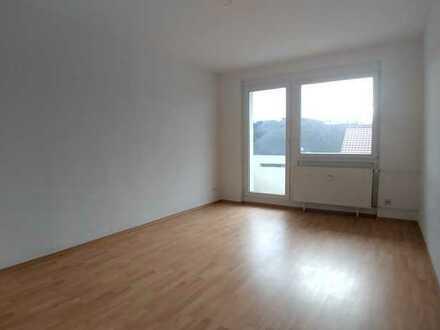 3-Raum-Wohnung mit Blick über Elsterberg mit Balkon