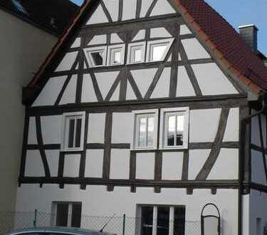 Schönes Fachwerkhaus mit sechs Zimmern und Nebengebäude in Offenbach (Kreis), Rodgau