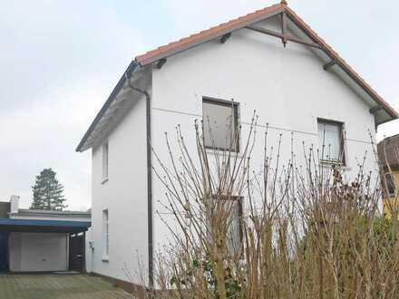 Kleine Doppelhaushälfte mit wunderschönem Grundstück
