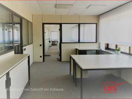 Büroräume mit zentralem Anschluss u. kostenfr. Parken