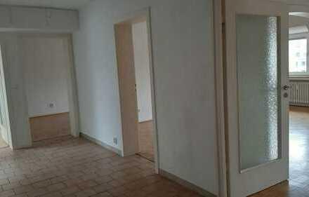 Helle und freundliche 3,5-Zimmer-DG-Wohnung in Essen-Südost