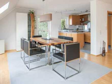 Eindrucksvolle DG-Maisonette-Wohnung zentral gelegen!