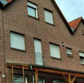Gepflegte 4-Zimmer-Maisonette-Wohnung mit Balkon in Baesweiler