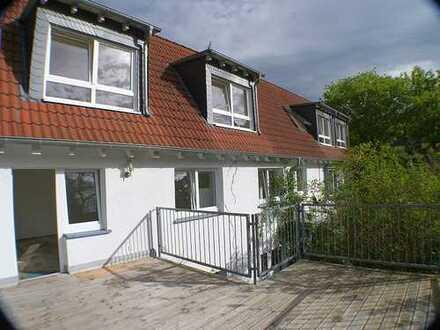 Idyllisch-Nähe Biebricher Schloßpark! 2-3 Fam.-Haus mit 213 m² - modernisiert 2005 € 715.000,-