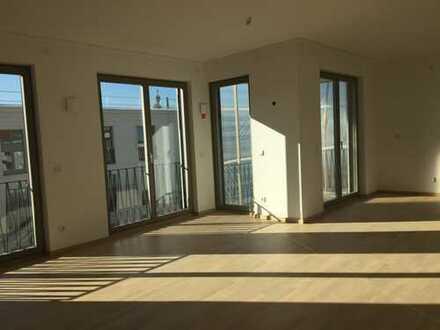 Erstbezug mit Loggia: exklusive 3-Zimmer-DG-Wohnung mit schönem Schnitt in Regensburg Dörnberg