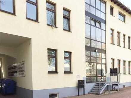+++ Zwickau-Zentrum: Kleine Bürofläche - auf Wunsch möbliert! ++