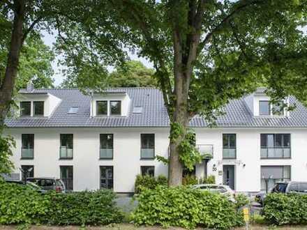 Das Leben am Alsterlauf genießen: DG-Wohnung im Grünen mit großem Balkon
