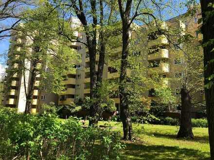 Bezugsfreie 1 Zimmerwohnung mit ruhiger südwest Terrasse und Blick ins Grüne
