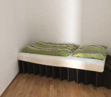 Teilmöbliertes Zimmer in schöner, heller Wohnung in 2er WG