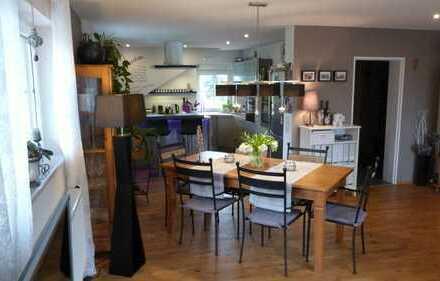 Modern sanierte 4-Zimmerwohnung mit Garten im 2-Familienhaus in Niederrodenbach