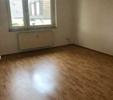 Gepflegte 2-Raum-Wohnung mit kleinem Balkon zu vermieten