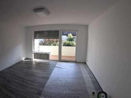 Renovierte 1,5 -Zimmer-Wohnung mit Balkon und EBK, Filderstadt
