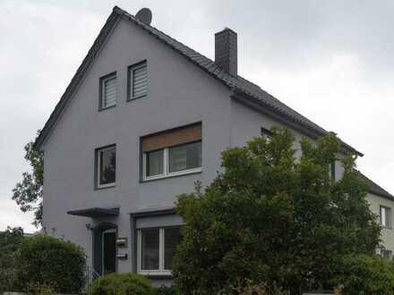 Freistehendes Mehrfamilienhaus mit Ausbaureserve