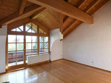 Charmante 4-Zimmer-Maisonette-Wohnung mit Bergblick in Durach-Weidach