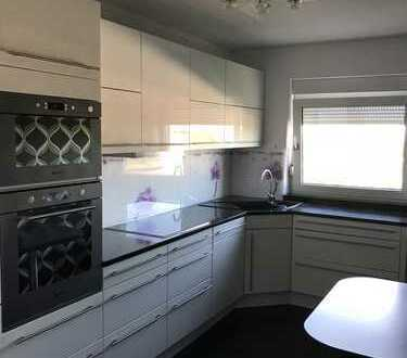 Stilvolle, vollständig renovierte 4,5-Zimmer-Wohnung mit Balkon und Einbauküche in Bad Wimpfen